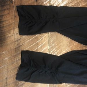 Black crop athletic pants 🧘♂️